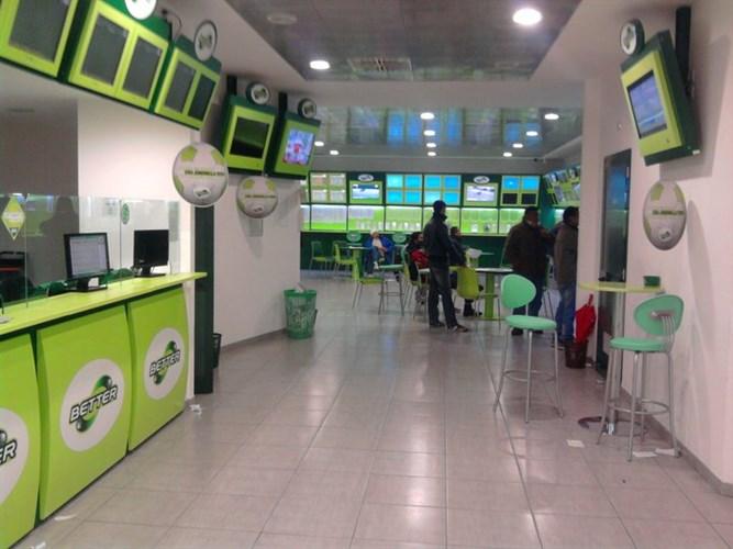 Galatina rapina al centro scommesse bottino da euro for Arredamento centro scommesse